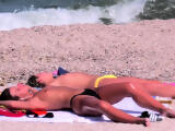 Big Tits Sexy Topless Babes Close-Up Voyeur At Beach